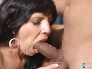 Horny Cougar Raven Flight 58 Years old Anal Creampie 1080p mature big tits
