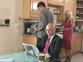 Cheating hot stepmom bangs for breakfast blond milf